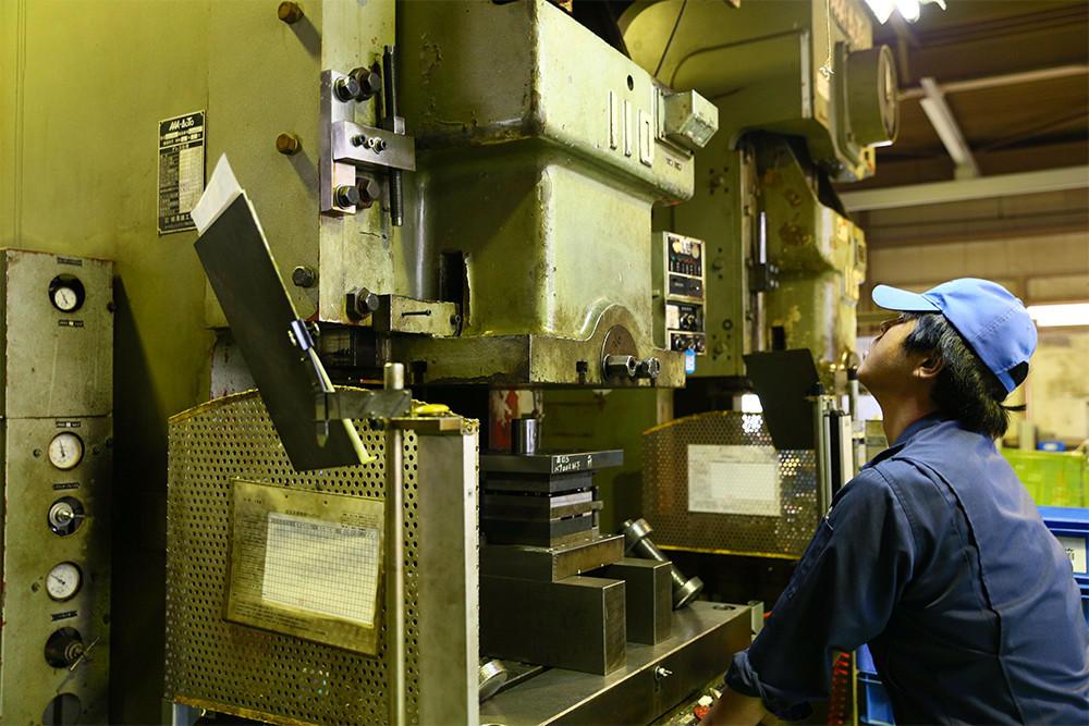 空気圧プレス機の写真